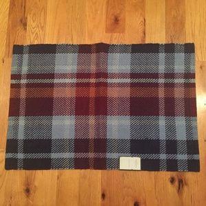 throw rug 24x36 48% wool, 52% cotton